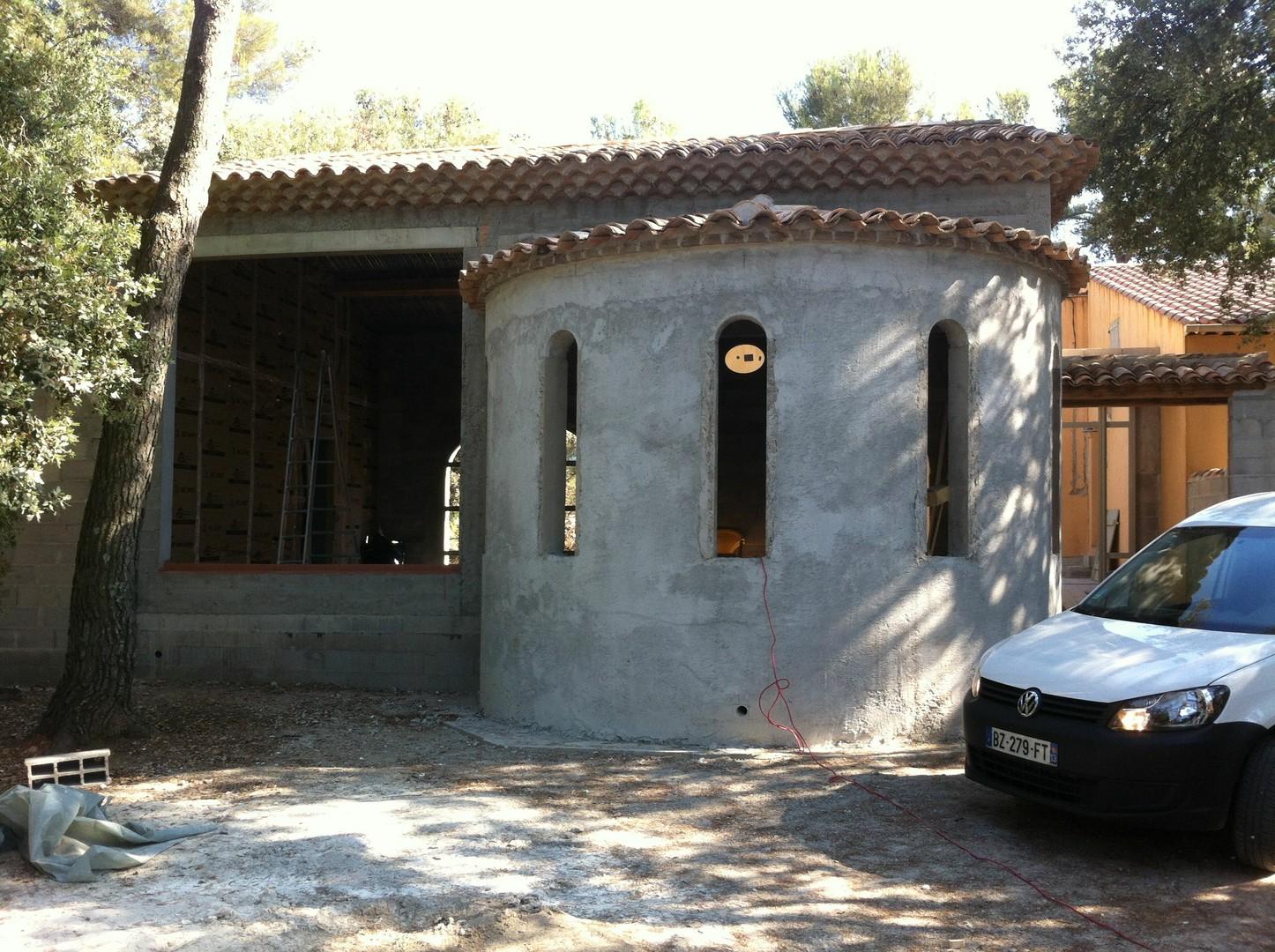 construction maison avec tour