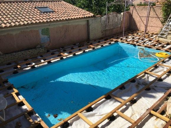 plage piscine en bois