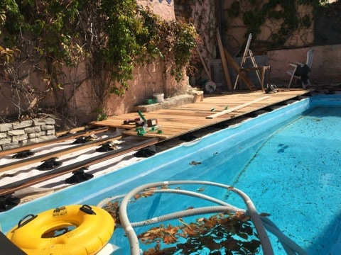 plage bois piscine